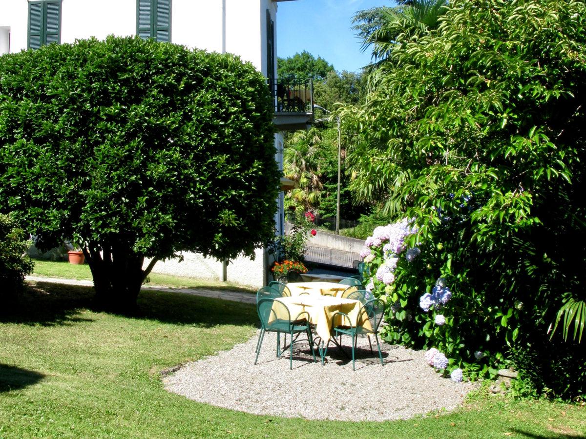 Hotel Loveno: Lake Como Italy accommodation_ garden corner