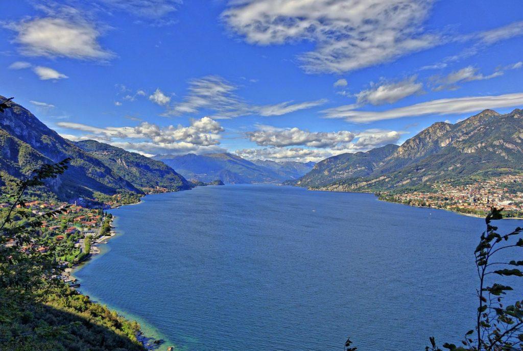 lake como cycling lake view
