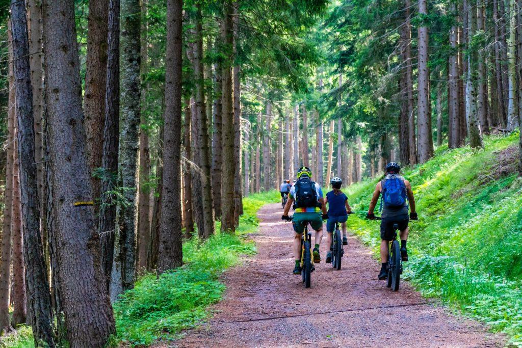 Enjoying lake Como cycling - group of people