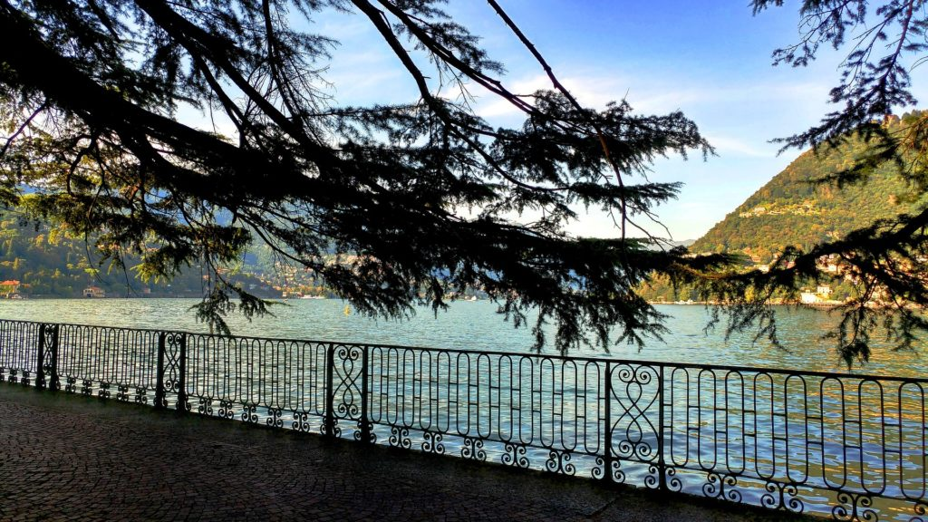 Lake Como lakeside walk